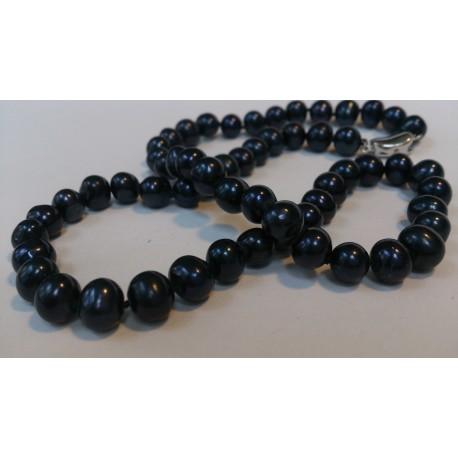 Mustadest pärlitest kee