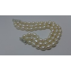 Three row pearls braclet
