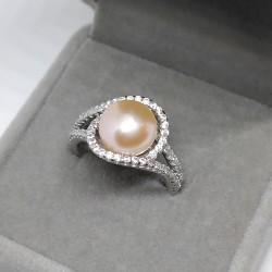 Lovely, ring