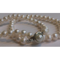 White luxury pearls
