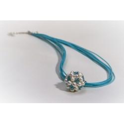 Pärlipall siniste helmestega kaelaehe