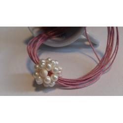 Valge pärlipall kaelaehe