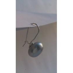 Rippuv suur pärl
